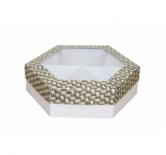 Коробка подарочная с окном 200*200*60 мм, дизайн 2020-12, белое дно