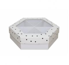 Коробка подарочная с окном 200*200*60 мм, дизайн 2020-9, белое дно
